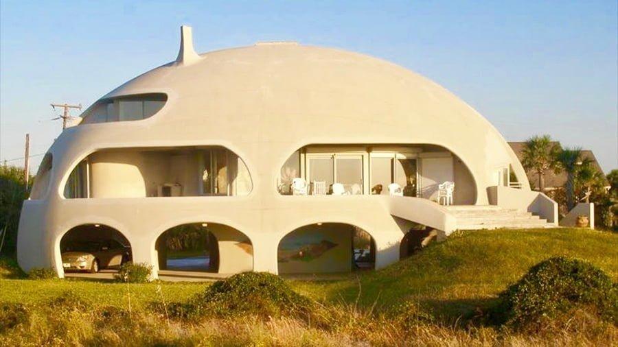 Monolithic concrete dome
