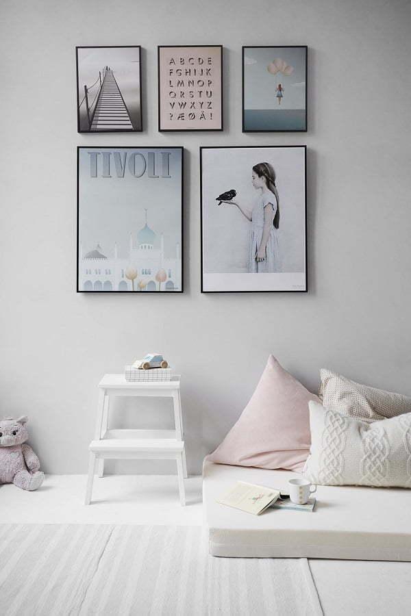 minimalist wall decor